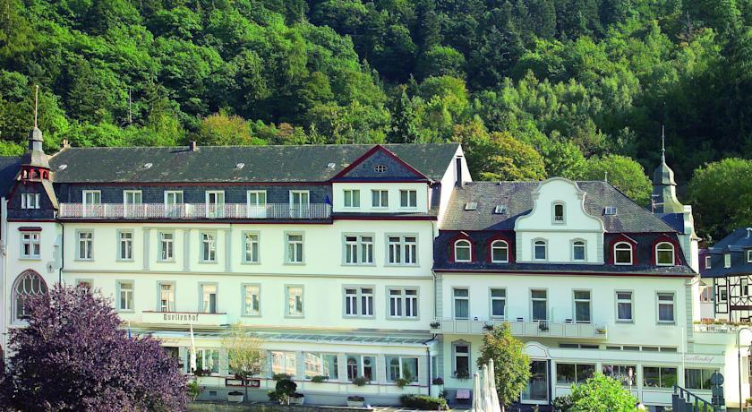 In kuuroord bad bertrich dicht bij de vulkan eifel spa for Spa hotel eifel germany